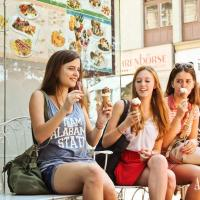 ... enjoy an ice cream in the centre of Vienna on a warm summer day