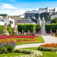 Participate in one of our excursions to Salzburg's Mirabell gardens